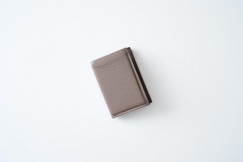 最小限を纏める。薄くて小さいミニマルなレザー財布『PRESSo』