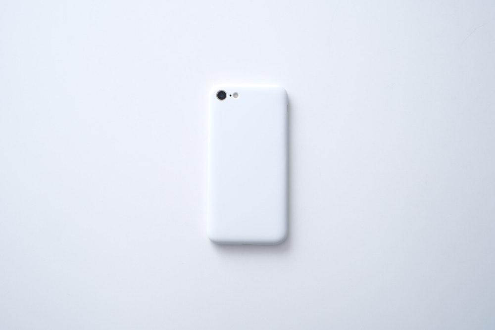 ミニマルで染め変える。極限までシンプルに美しい『MYNUS iPhone CASE』